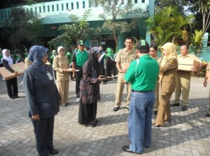 guru dan kepala sekolah berprestasi 2011